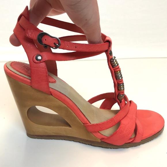 1637b335890 Frye | Annabelle Metal T coral wedge sandal 7